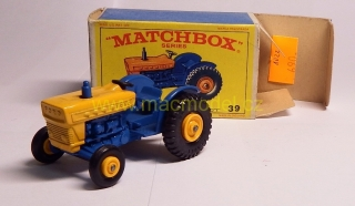 1:59 Ford tractor - Matchbox