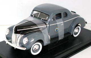 1:18 Ford 1940 DeLuxe coupé California Highway Patrol - MotorMax