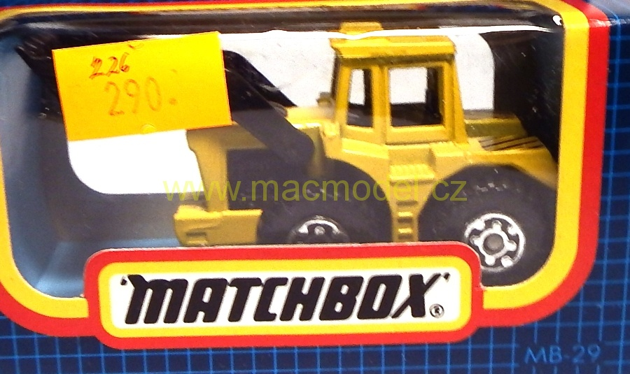 1:59 Shovel tractor  - Matchbox